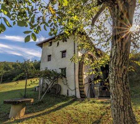 In Val Borbera tra borghi abbandonati e antichi mulini